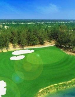 Bạn đã bao giờ tự hỏi tại sao một sân golf tiêu chuẩn lại có 18 hố?