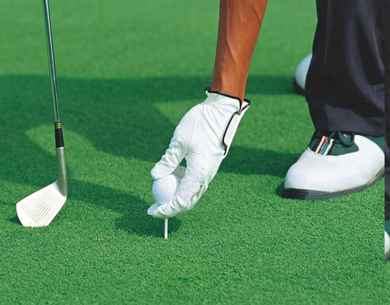 Mặt sân cỏ đóng vai trò quan trọng để đánh giá chất lượng của sân