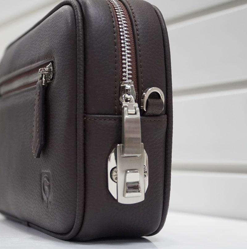 Túi được thiết kế khóa số có độ bảo mật cao