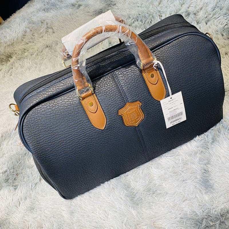 Túi quần áo golf Honma BB2817 nhìn từ trên xuống