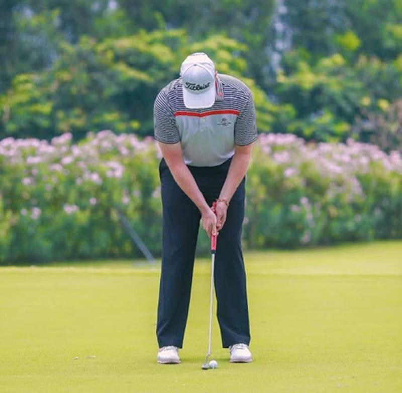 Huấn luyện viên golf rất quan trọng trong việc giúp bạn nhanh chóng nắm vững kỹ thuật golf