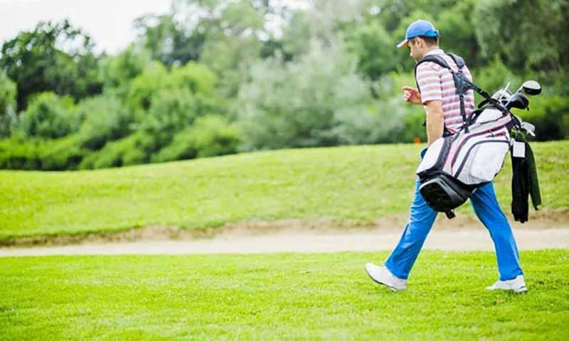 Sở hữu một túi golf đến từ thương hiệu Srixon sẽ giúp bạn trở nên nổi bật trên sân golf