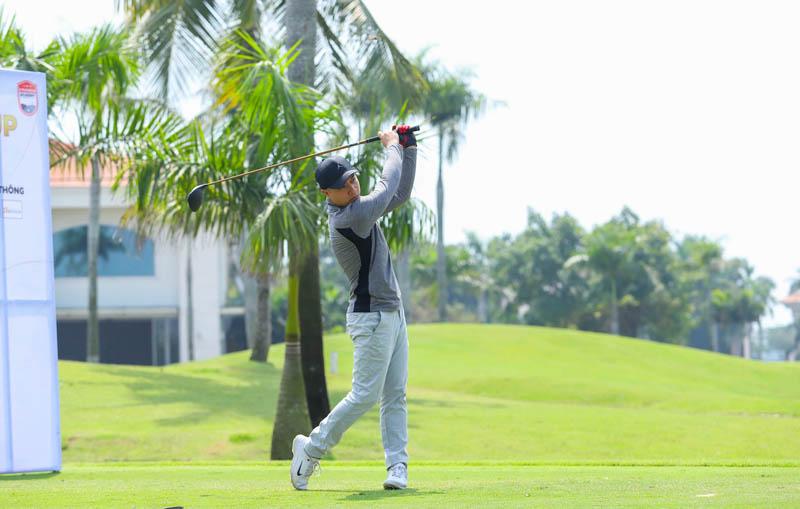 Học golf ở đâu tốt? Nên chọn nơi có HLV chuyên nghiệp