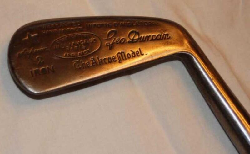 Gậy Simon Cossar Fruitwood Metal Headed Putter có giá 165.000 USD