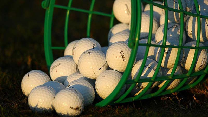 Quả bóng golf đầu tiên xuất hiện vào khoảng thế kỷ XV