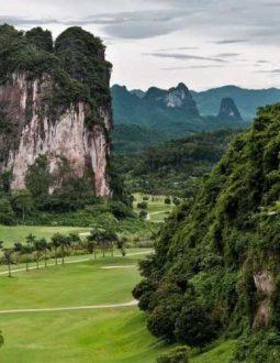 Top 2 sân golf Hòa Bình nổi tiếng nhất có gì đặc biệt?
