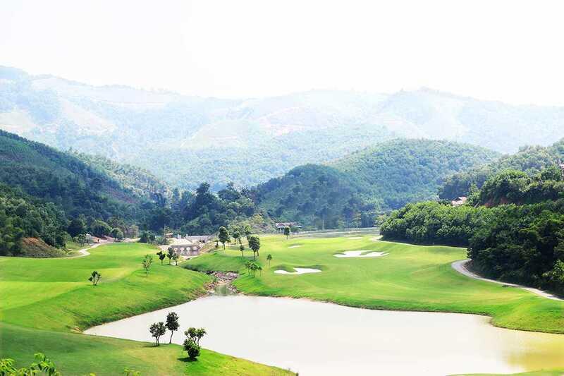 """Khi đến với sân golf Geleximco Hilltop Valley, golfer như được bước vào một thế giới """"xanh"""""""