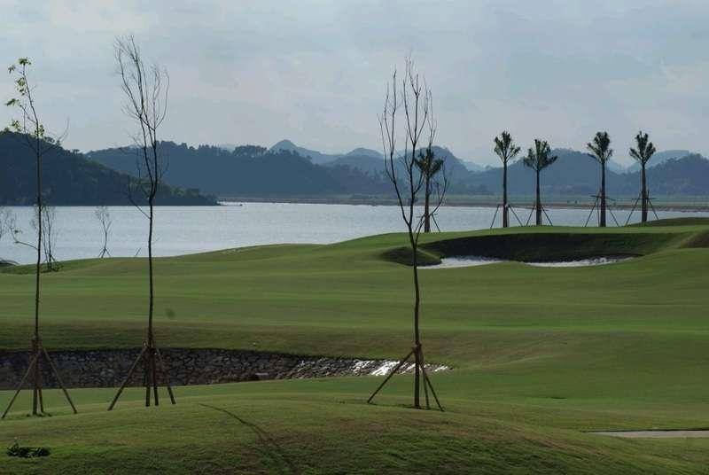 Sân golf này còn gây ấn tượng với những hạng mục tiện ích quan trọng