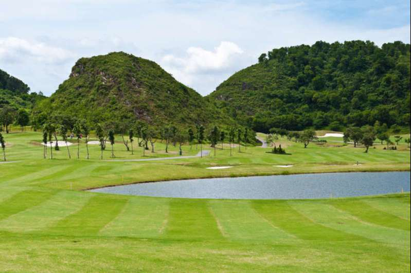 Hai sân golf Ninh Bình kể trên là những sân golf hot nhất tại tỉnh
