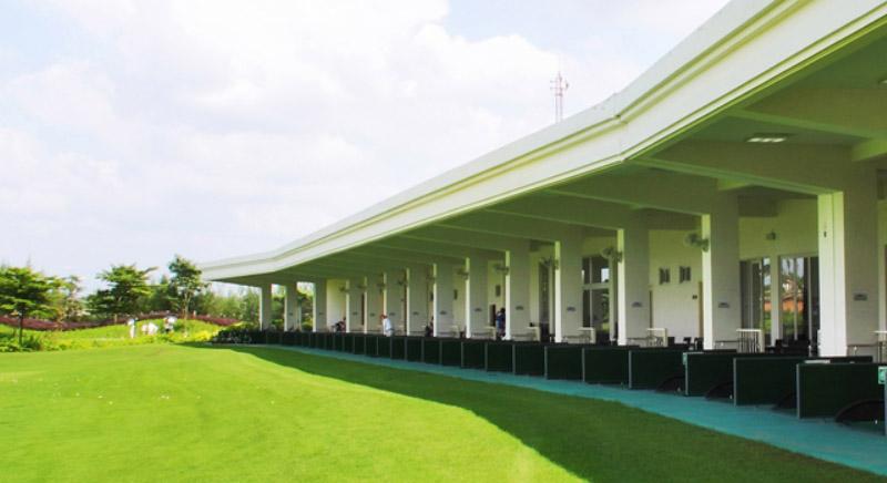 Sân tập golf đạt chuẩn ở sân golf Phú Mỹ
