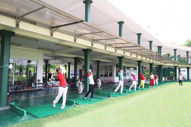 Khu sân tập golf đầy đủ tiện nghi