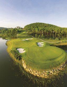 Sân golf Tràng An có điểm gì nổi bật thu hút golfer?
