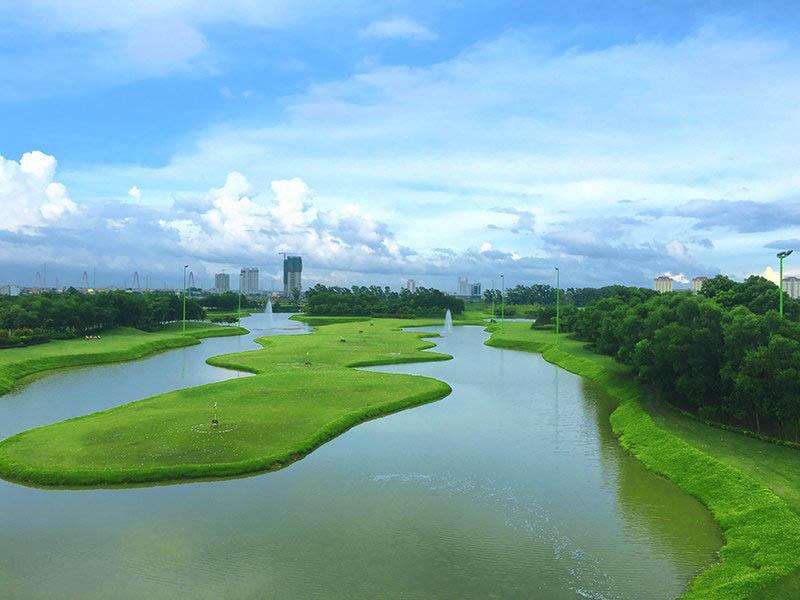 Sân tập nằm ở vị trí đắc địa ngay trung tâm thành phố Hà Nội
