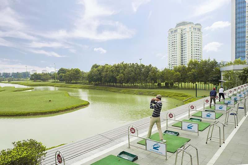 Sân tập golf Ciputra cung cấp đầy đủ các dịch vụ tiện tích