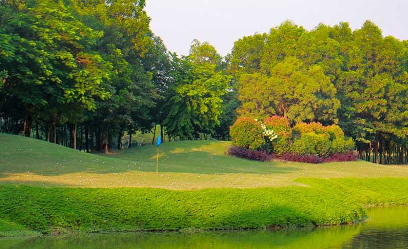 Phòng tập golf Indoor 3D tại sân golf Ciputra sẽ mang đến cho golfer những cảm nhận thực tế và sống động nhất