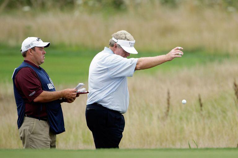 bất cứ ai cũng có thể phạm lỗi dùng quá 8 gậy để đưa bóng golf vào lỗ