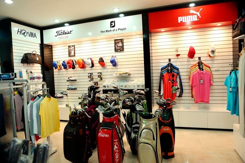 Khu vực Pro-shop có đầy đủ phụ kiện golf