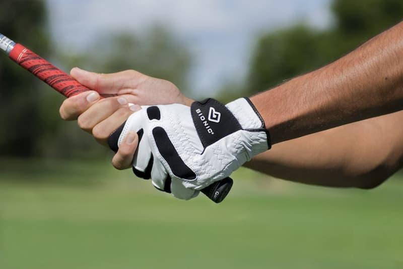 Găng tay golf là một trong những phụ kiện được nhiều người săn đón