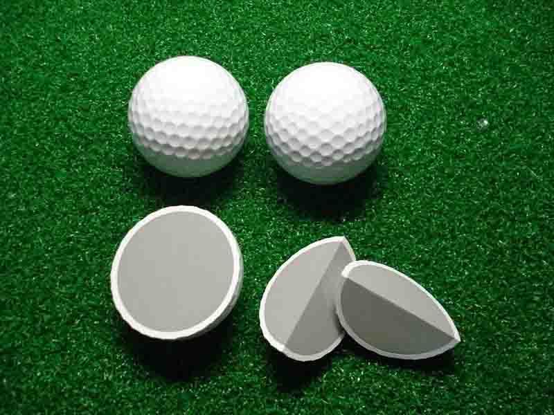 Bóng 2 lớp có độ bền cao giúp golfer thực hiện cú đánh chất lượng