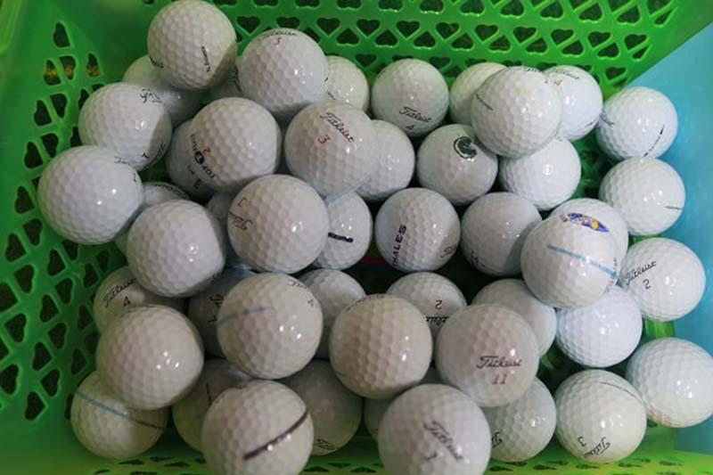 Có nên dùng bóng golf cũ hay không là thắc mắc của nhiều golf thủ