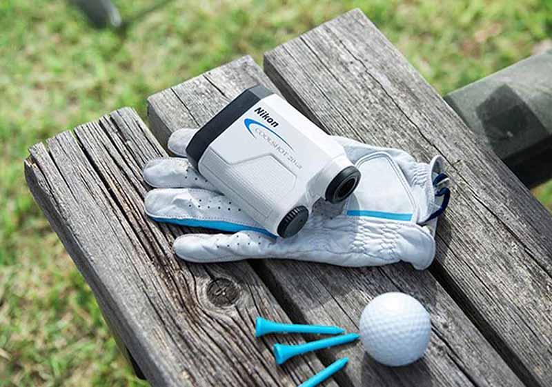 Golf Nikon Laser Rangefinder Coolshot 20 GII vô cùng nhỏ gọn.