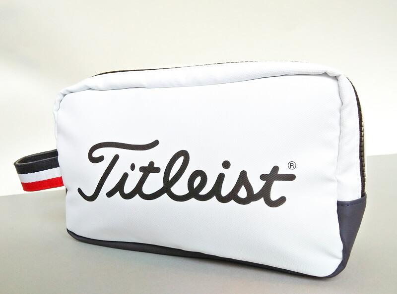 Túi golf của hãng Titleist có giá từ 2.500.000 VNĐ trở lên
