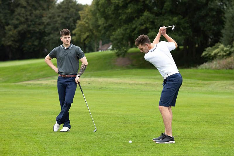 Mẫu quần áo golf phổ biến nhất hiện nay
