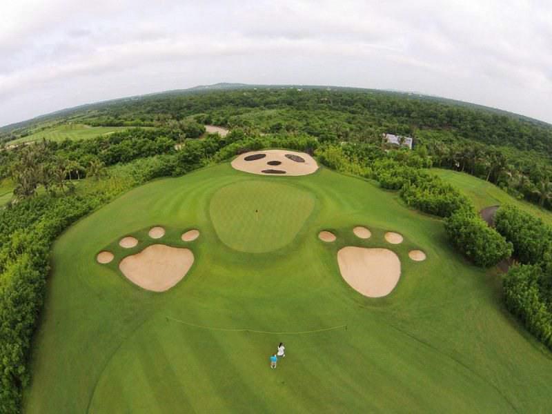 Sân golf FLC Quảng Bình tọa lạc tại vị trí thuận lợi