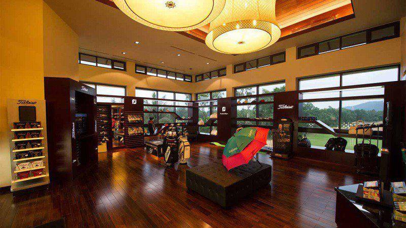 Nhà hàng tại Laguna golf Lăng Cô - Huế có sức chứa hơn 80 người