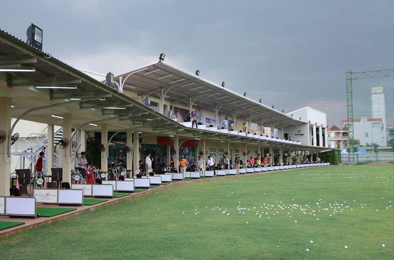 Sân tập golf Mỹ Đình Pearl rất rộng rãi