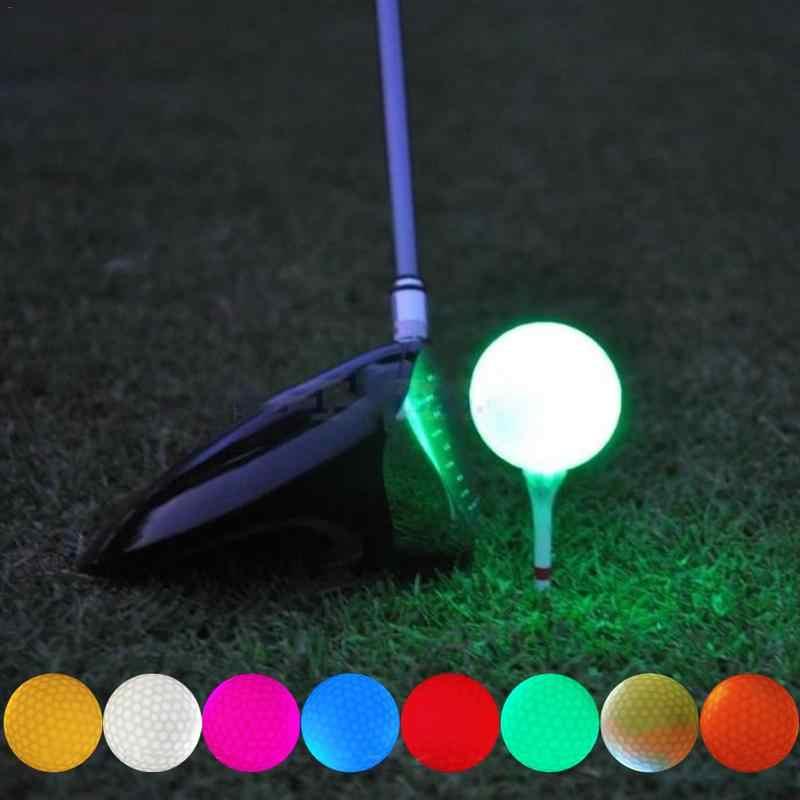 Bóng golf phát sáng ra đời phục vụ cho hình thức chơi golf đêm