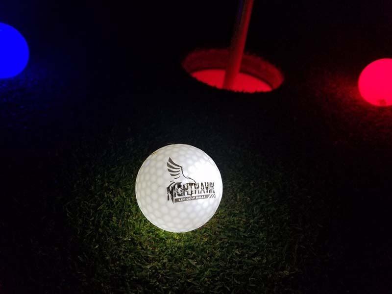 Bóng golf phát sáng Nighthawk Glow in Dark LED sáng liên tục mà không nhấp nháy