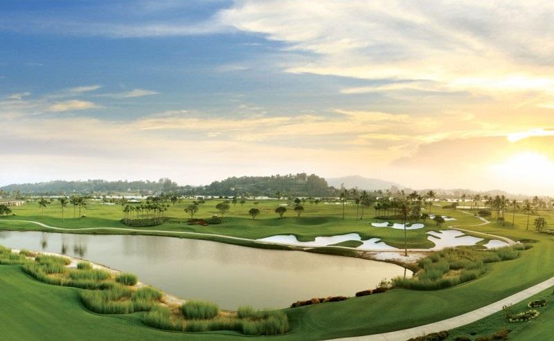 Bảng giá sân golf sẽ thay đổi phụ thuộc vào nhiều yếu tố khác nhau