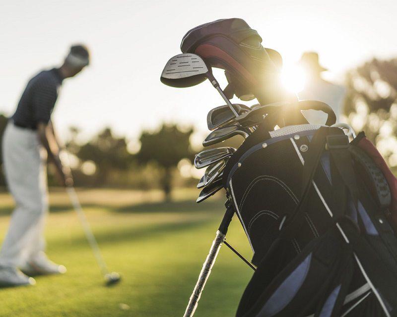 Gậy đánh golf cũ giúp tiết kiệm chi phí