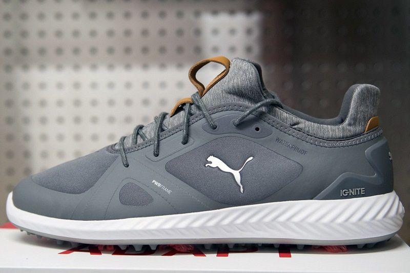 Giày Puma gây ấn tượng bởi thiết kế hiện đại, chất liệu bền bỉ