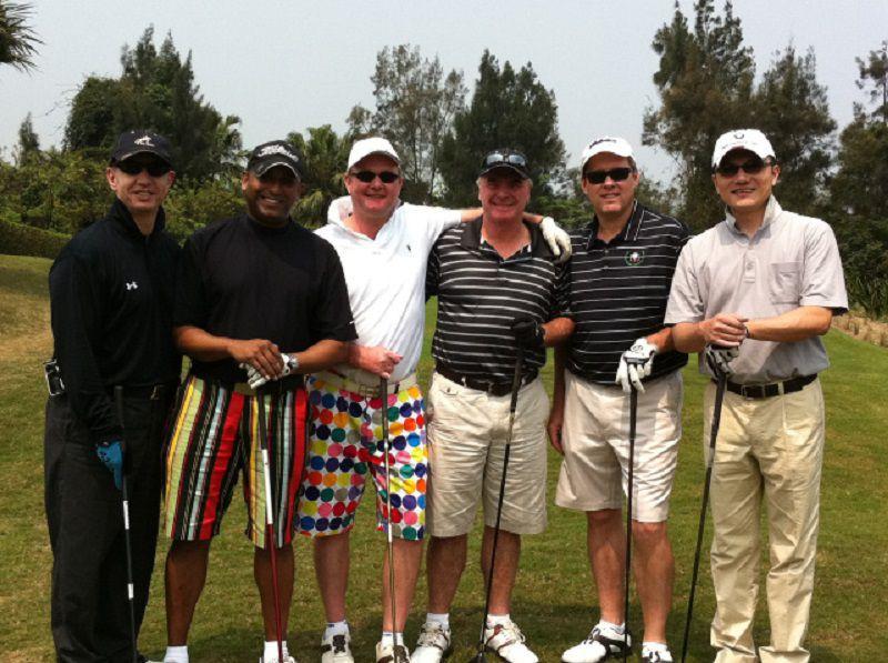 Những mẫu quần short golf nam thường được sử dụng trên sân bóng