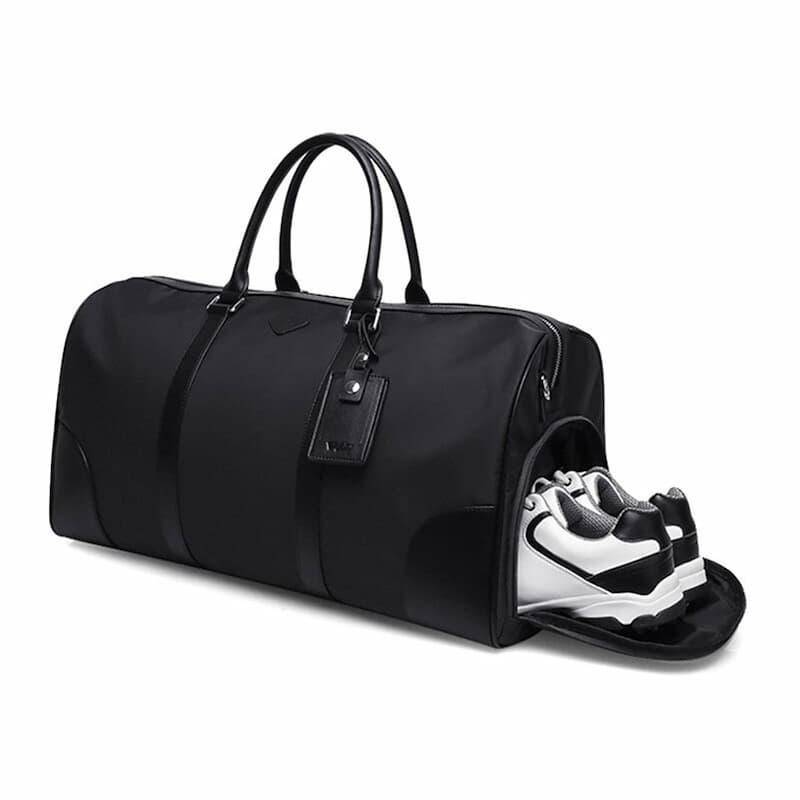 Túi golf PGM được làm chủ yếu từ da PU, vải dù, vải cotton, vải lưới,... với những sợi vải bền nhất và nhẹ nhất