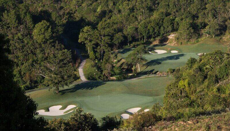 Sân golf Đạ Ròn còn có tên gọi khác là The Dalat 1200 Country Club