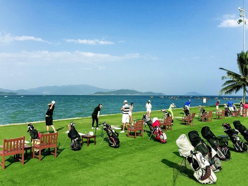 Diamond Bay được ví như thiên đường chơi golf mà bất cứ ai cũng đều ao ước đặt chân tới trải nghiệm