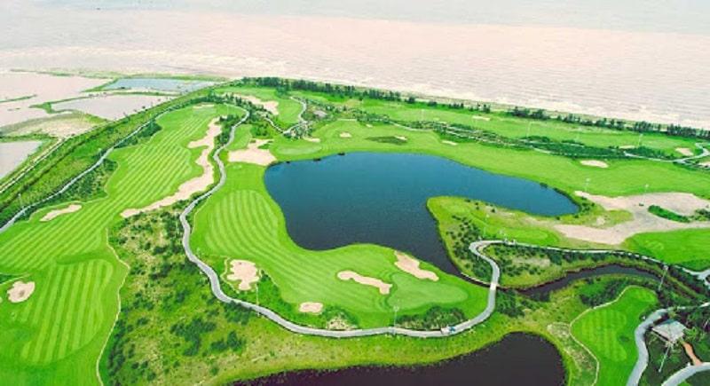 Sân golf kết hợp với rất nhiều tiện ích mang đến một trải nghiệm thực sự tuyệt vời