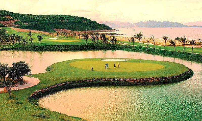 Sân golf Hội An nằm trong khu thiên đường nghỉ dưỡng của Hội An