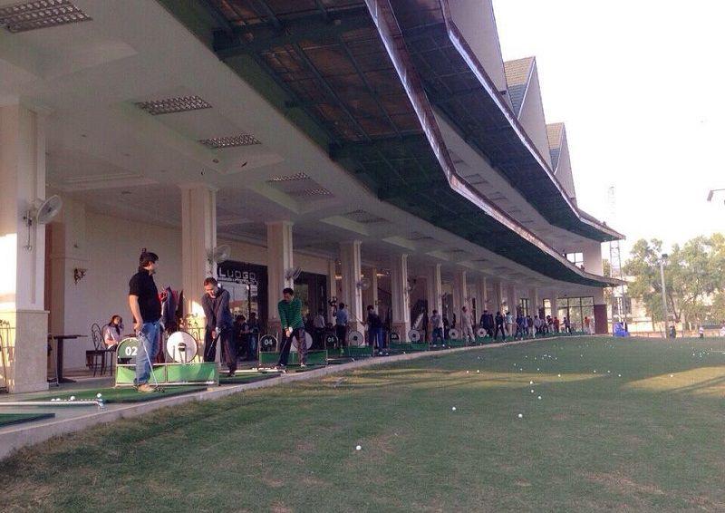 Sân tập golf Mipec là một trong những điểm đến thú vị của các golfer