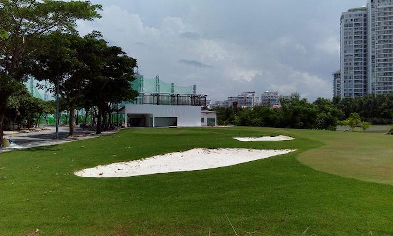 Sân Trần Thái nằm bên sông Rạch Đĩa nên có cảnh quan vô vùng đẹp