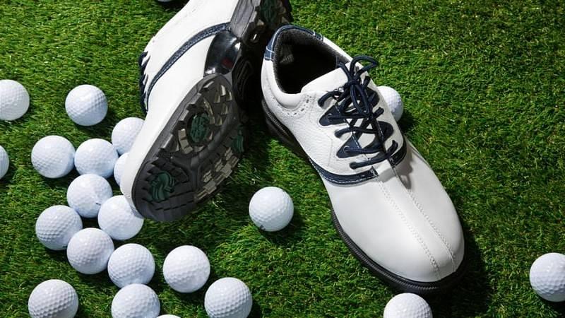 Nên lựa chọn giày golf cũ dựa vào chức năng sử dụng của giày