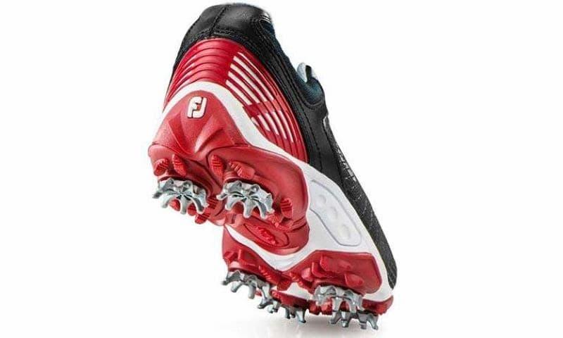 Giày golf cho trẻ thương hiệu Footjoy có chất lượng tốt, giá cả phải chăng