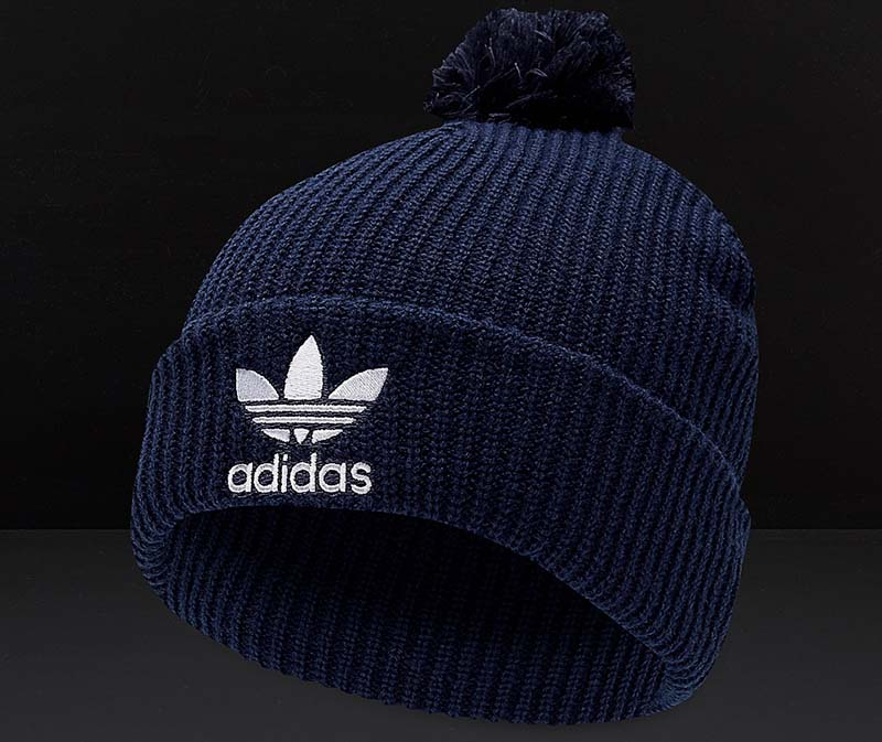 Adidas với mẫu mũ len cho mùa đông