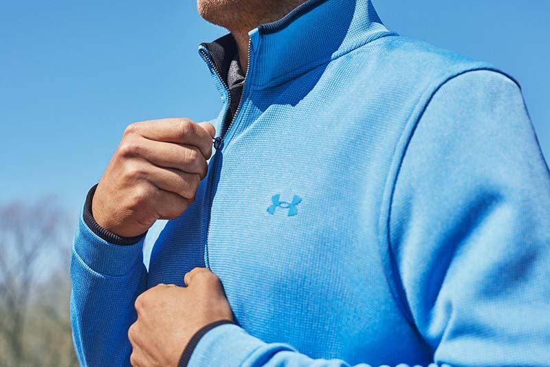 Một mẫu áo golf giữ ấm của Under Armour