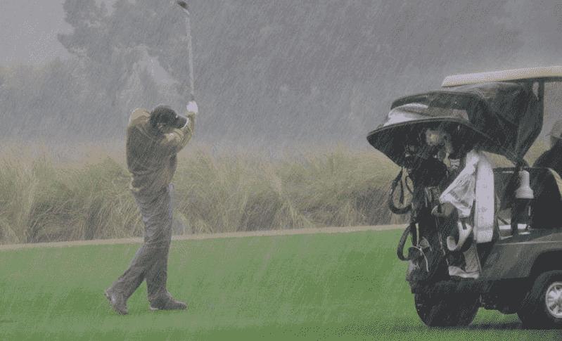 Quần áo mưa chơi golf hiện nay có rất nhiều kiểu dáng, mẫu mã