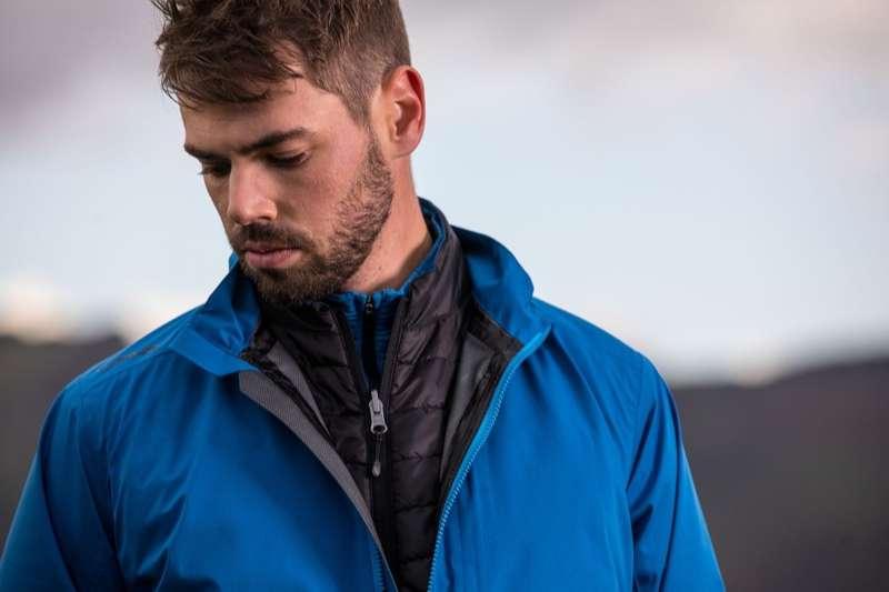 Áo khoác Ping Sensordry 2.5 Waterproof là một trong những mẫu quần áo mưa chơi golf siêu nhẹ