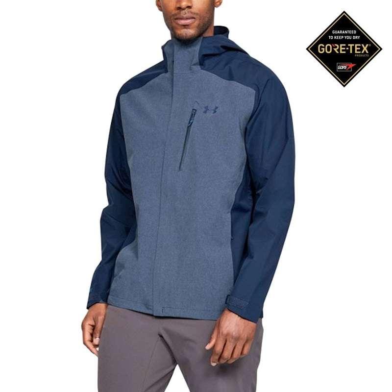 Áo khoác mưa chơi golf Under Armour nhẹ và gọn đến mức golfer có thể gói lại và cất trong túi áo
